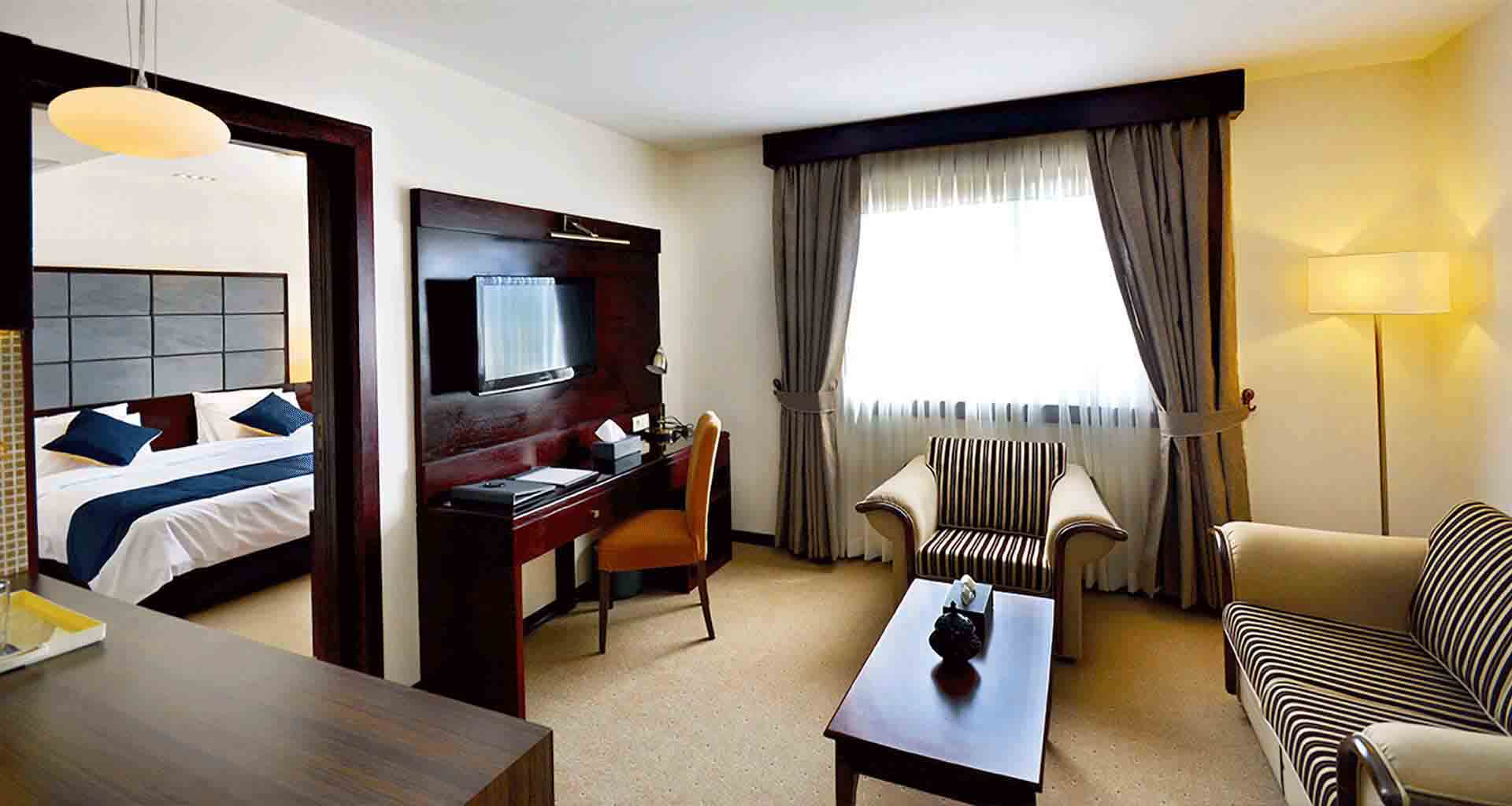 تجربه یک اقامت لوکس در بهترین هتل شیراز